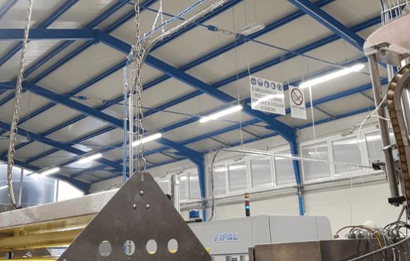 Distribuzione cavi impianto imbottigliamento automatizzato